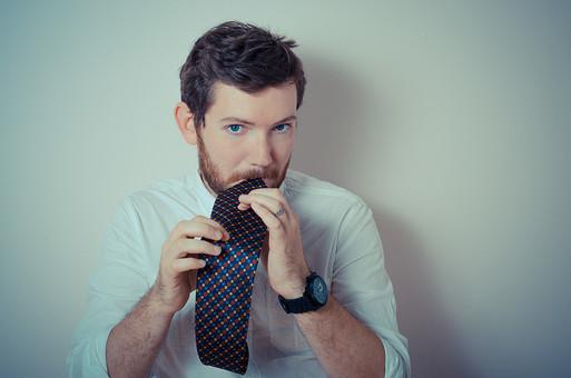 結婚式ネクタイ色で悩む