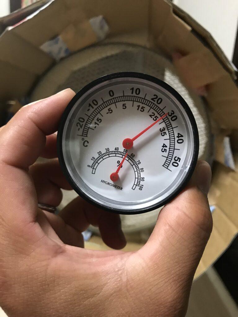 扇風機と保冷剤