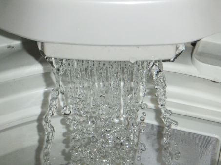 洗濯機の水がたまらない抜ける